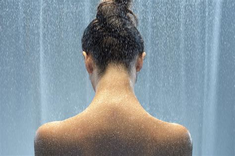 Shower Sunburn by Remedies For Sunburn Relief