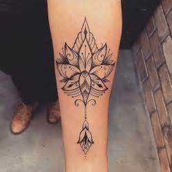 les 25 meilleures id 233 es de la cat 233 gorie tatouage femme sur