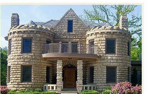 small houses that look like castles small castle like house plans house design ideas