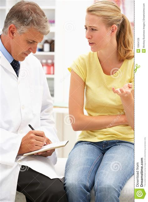 фото девушек у врача на медосмотр