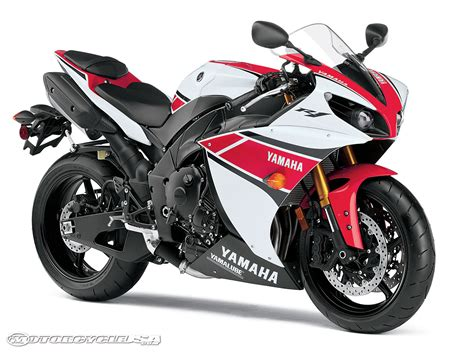 Motorrad Yamaha by Demo A 2012 Yamaha Sportbike On The Track Motorcycle Usa