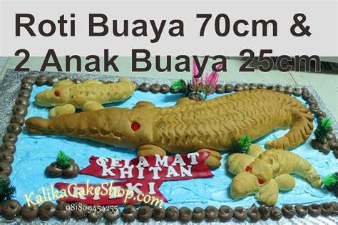 Roti Buaya 65cm Roti Buaya roti buaya 70 cm dan 2 anak buaya kue ulang tahun bandung
