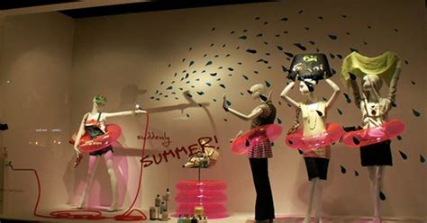 window display ideas ideas for summer window displays boutique window