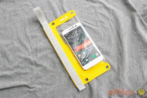 Waterproof Hp Asus Zenfone 5 asus zenpouch waterproof asus zenfone news tips tutorial and rom