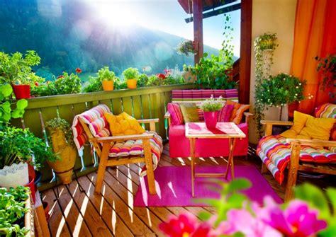 idee per abbellire il terrazzo come arredare il balcone di casa o il terrazzo