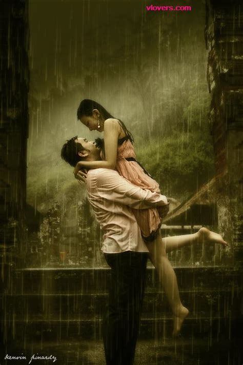 Rain hot couple hug