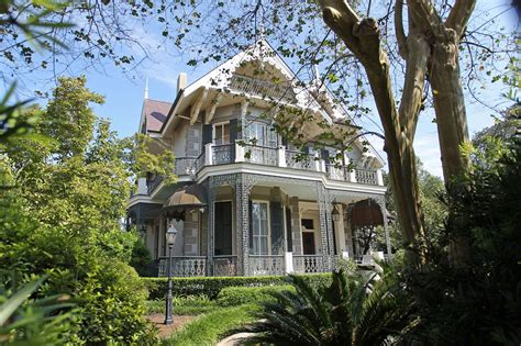brad pitt and angelina jolie s new orleans mansion is up brad pitt and angelina jolie s french quarter home in new