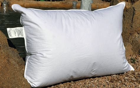 Pillows Reviews Ratings by Eluxurysupply Goose Pillow Review Sleepopolis