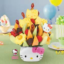 Hello kitty 174 s bouquet dipped strawberries edible arrangements 174