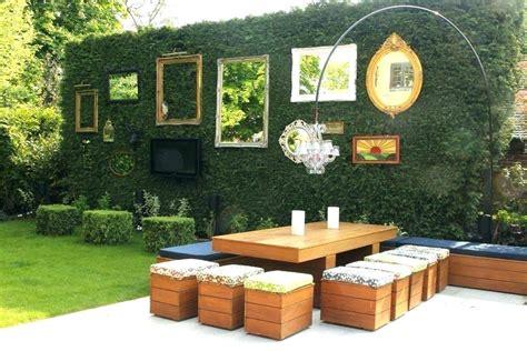 decorating outdoor brick wall wall decor ideas