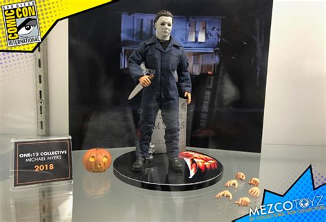 figure news 2018 mezco s new michael myers figure coming in 2018
