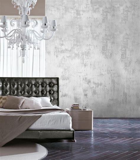 декоративная белая штукатурка с металлическим блеском в интерьере фото