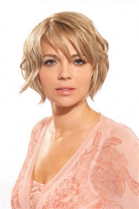 short hairstyles for square jawed women best short haircut for square jaw haircuts models ideas
