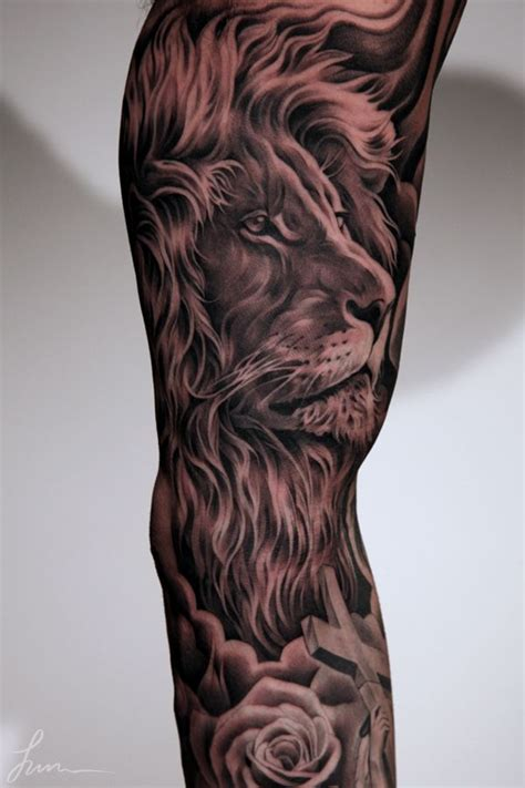black and grey lion tattoos 1000 ideas about statue on god
