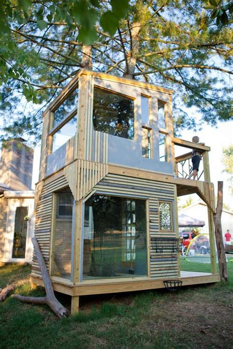 Backyard Treehouse For by 9 Treehouses You Wish You Had As A Kid