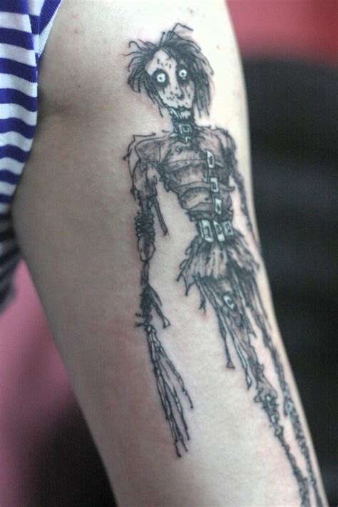 edward scissorhands tattoo edward scissorhands detail by snellynell on