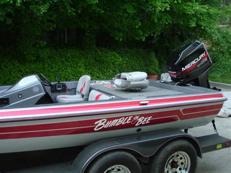 bumble bee bass boat viewing a thread 1997 bumble bee bass boat w 1998 175