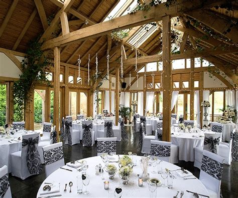 small wedding venues hshire uk barn wedding venue cheshire the oak tree of peover chwv