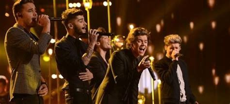 Mini Album Best Song One Direction one direction story of my la voz in spagna