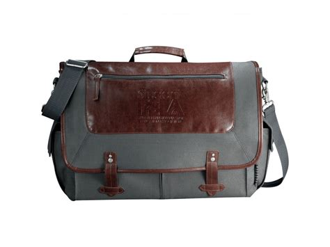 If You Fancy Winning A Vintage Laptop Bag by 7950 55 Field Co 174 Classic 15 Quot Computer Messenger Bag