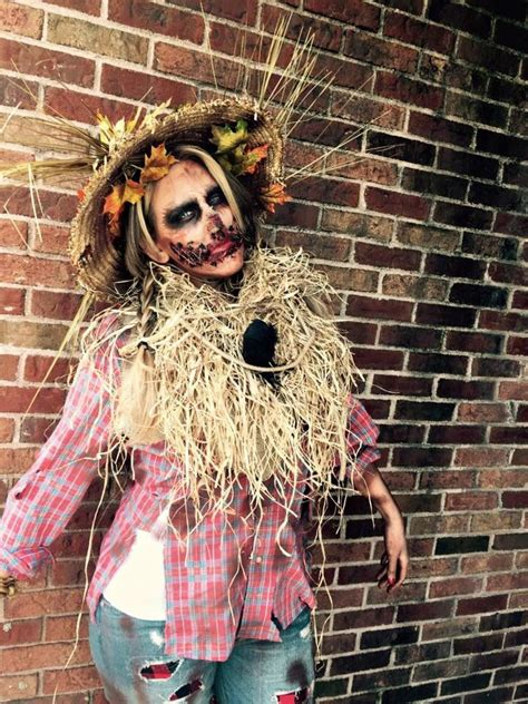 scary scarecrow costume    fiorina scary