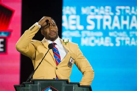 michael strahan news page 3 people michael strahan hall of fame 2014 photos giant honor