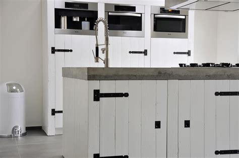 Barnwood Kitchen Island by Strakke Houten Keuken Restylexl Product In Beeld