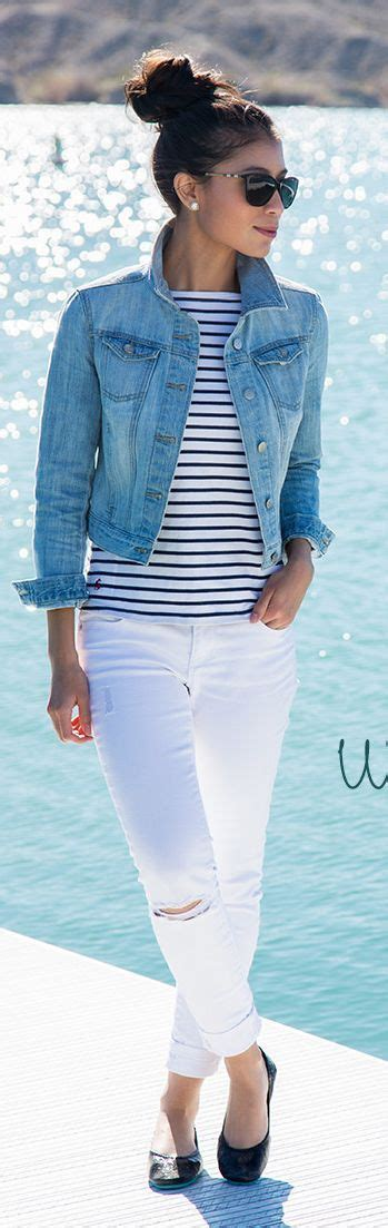 The White Jean Is All About And Summer by Cal 231 A Branca Blusa Listrada Jaqueta Despojado E