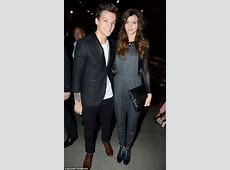 One Direction's Louis Tomlinson splits from girlfriend ... Louis With Eleanor