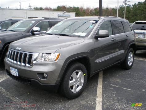 jeep cherokee gray 2011 jeep grand cherokee laredo 4x4 in mineral gray