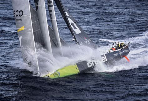 volvo ocean race southern ocean leg brings disaster  glory asia  sea
