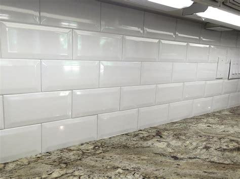 ceramic subway tiles for kitchen backsplash 4x8 white ceramic beveled subway tile in kitchen backsplash view more at arketype us suwanee