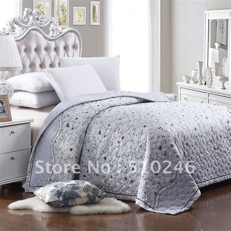 summer weight comforter 67 best images about bedspreads on pinterest quilt sets