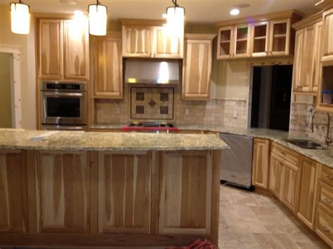 Cabinet And Countertop Ideas Kitchen With Hickory Cabinets And Travertine Backsplash