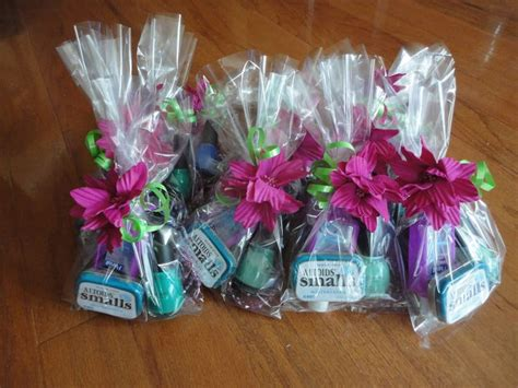 Cheap Gifts For Bridal Shower by 17 Best Ideas About Cheap Bridal Shower Favors On
