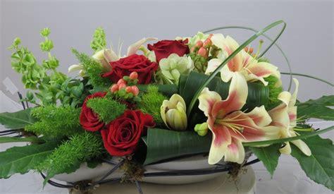 Arranging Roses In Vase Benz Of Floral Design Aggie Horticulture Network