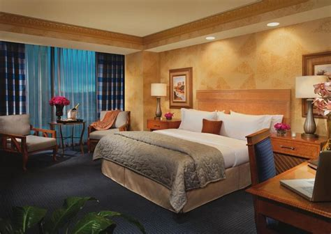 luxor king room trans pacific holidays in the south pacific stopover cities gt las vegas usa gt luxor hotel and