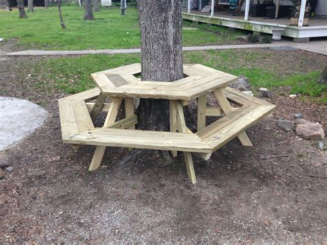 how to make a bench around a tree the picnic table around a tree i built today diy