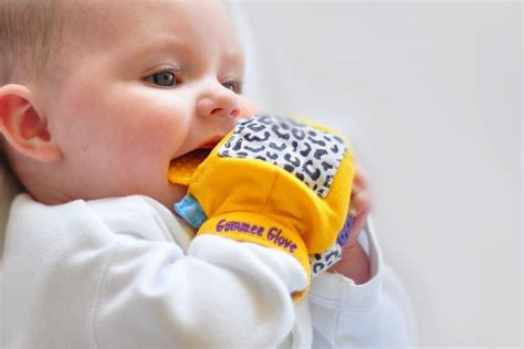 Baby Neck Ring Frozen T2909 1 15 teething aids to soothe sore gums