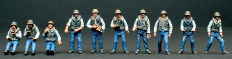 model boat figures 1 32 italeri 1 35 pt boat crew 5606 plastic model figures