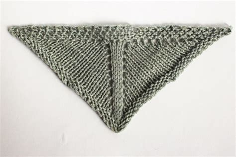 triangle neck pattern how to knit triangle shawls triangle shawl design