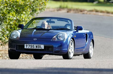 how cars run 2002 toyota mr2 navigation system toyota mr2 used car buying guide autocar
