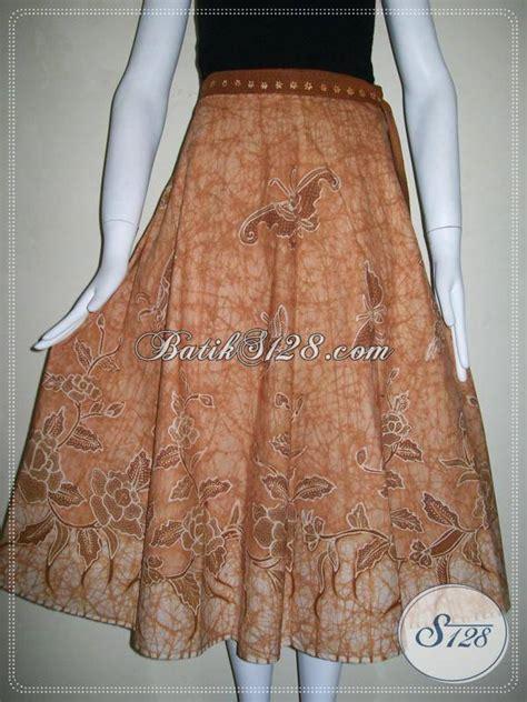 Celana Pendek Batik B31017003 Bawahan Cewek Batik Motif Monokrom model rok terkini trend model rok panjang untuk