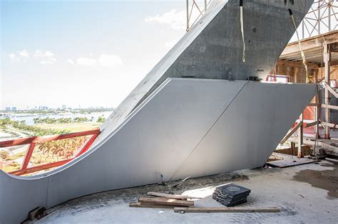 designboom one thousand museum zaha hadid s one thousand museum tops out in miami