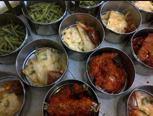 daftar alamat perusahaan snack makanan kecil di jasa catering prasmanan pernikahan khitanan nasi box