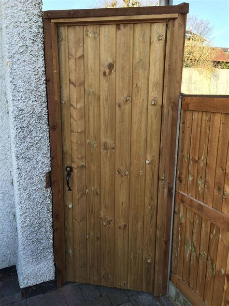 shiplap gate fencing suppliers 0208 367 2794 north london herts