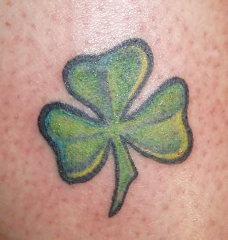 small clover tattoo 3 leaf clover tattoos fonts letters names