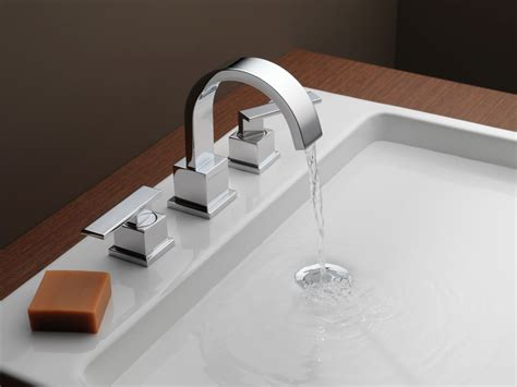 Delta Faucet Warranty Phone Number by Faucet 3553lf In Chrome By Delta