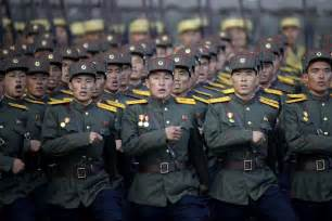 est100 一些攝影 some photos military parade in pyongyang