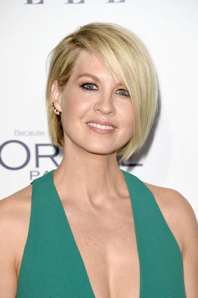 does jenna elfmans hair look better long or short jenna elfman bob jenna elfman looks stylebistro